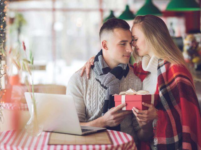 Kako odabrati poklon za devojku