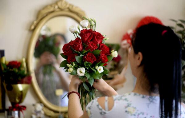 Buket sa crvenim ružama