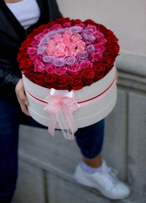 101 ruža u drvenoj kutiji