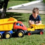 decija igracka kamion kiper