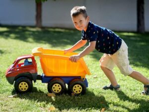 dečija igračka kamion kiper