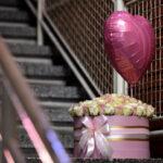 101 ruža u kutiji sa balonom