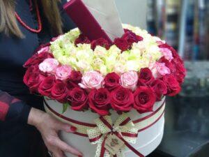 101 ruza u kutiji - dostava cveća Beograd - Online cvećara & Gift Shop Poklondžija