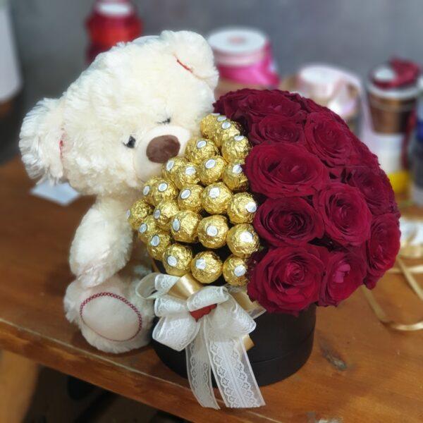 cvetni aranžman - Dostava cveća Beograd - online cvećara - Gift shop Beograd