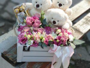 cvece u kutiji sa medama i ferrerom cvece u kutiji sa medama i ferrerom - dostava cveća beograd - poklondzija online cvećara