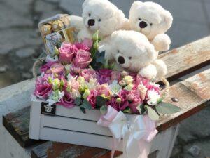 cvece u kutiji sa medama - dostava cveća Beograd - Online cvećara & Gift Shop Poklondžija i ferrerom - dostava cveća beograd - poklondzija online cvećara
