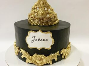luksuzna torta za devojku sa krunom - za rodjendan - dostava torti beograd